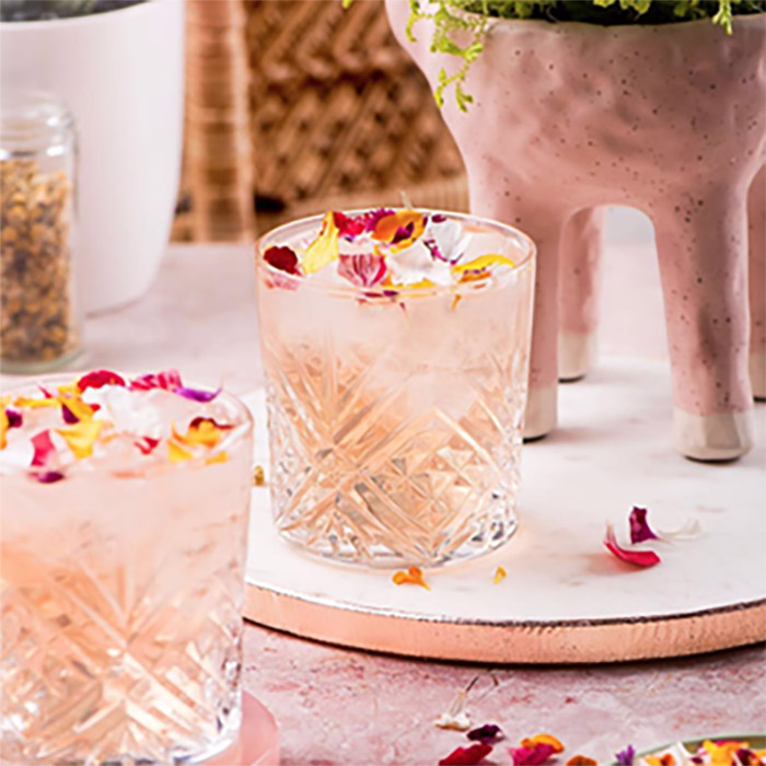 Gin + flowers cocktail